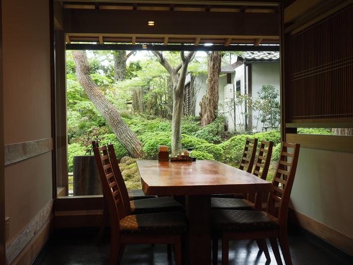 こちらも「おぶせオープンガーデン」に加盟。手入れの行き届いたお庭を眺めながらお食事できます。