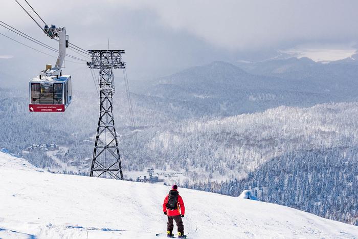 また、スキーやスノーボードなどのウィンタースポーツでも、雪で荷物が濡れる心配があります。