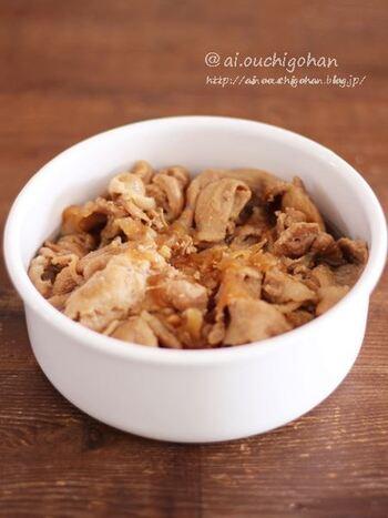 豚肉と玉ねぎを甘辛く煮ると、お弁当にぴったりのおかずに。子供も喜ぶ味です。作り置きも可能です。