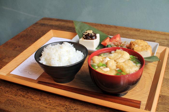 朝はモーニングでゆったりと。ちょっぴり早起きして出かけたい「東京下町のカフェ」