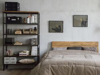 大人っぽくてスタイリッシュなお部屋には、グレーやブラックと言ったシックなカラーの雑貨達がお似合い。知的でクールな雰囲気で、シンプルに置くだけでもなんだか様になりますよね。