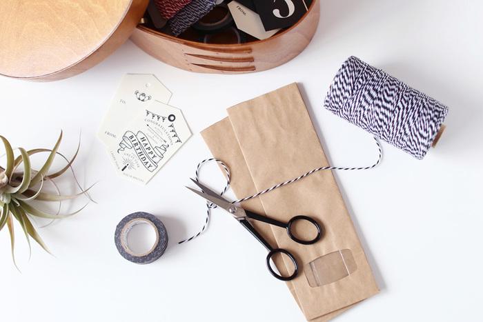 出先でも使える小さめハサミはイタリアの老舗メーカー「プレマックス社」のもの。 シンプルなデザインに実力も兼ね備えたこだわりの逸品はハンドメイドが得意なあの子へのプレゼントにぴったりです。