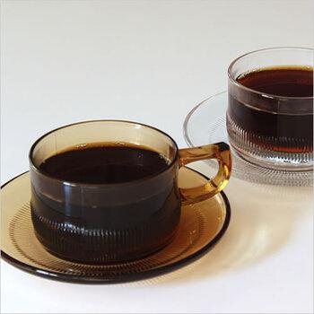 昭和の香り漂うデザインのコーヒーカップ&ソーサーです。丈夫な耐熱ガラスで出来ているので、熱いコーヒーも大丈夫。喫茶店の雰囲気が漂います。