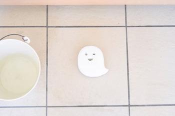 可愛いデザインの箒やスポンジなら、お子さんも興味を持って自分からすすんでお掃除してくれるかもしれませんね♪玄関を箒で履いたり、床をスポンジで磨いたり。さっそくおしゃれなお掃除アイテムを活用して、玄関にもプチ掃除術を取り入れてみませんか?