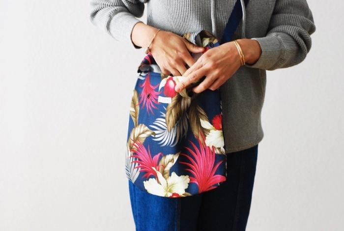 いかがだったでしょうか?今回ご紹介したミニショルダーは、お財布、携帯、ミニポーチがゆとりを持って入るサイズのものをセレクトしてみました。今年の夏もお気に入りのかわいいショルダーでお出かけを楽しみましょう。