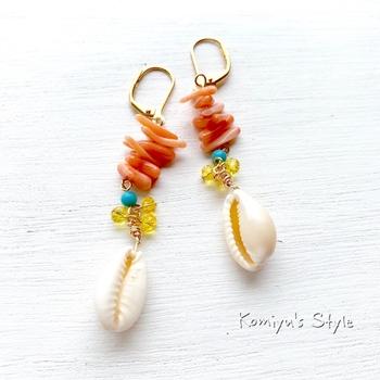 2019年春夏のトレンドとなっているのが、シェルモチーフ。 貝殻とサンゴを組み合わせたイヤリングは、夏気分を盛り上げてくれそう。カラフルな色使いで、顔周りを明るく見せてくれます。