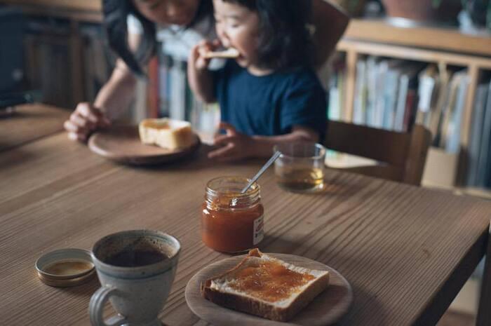 スーパーでもおいしいジャムはあるけれど、お取り寄せで手に入れるジャムは一味違った贅沢感があります。作り方や材料にこだわったジャムで、パンの日をもっと楽しんでみませんか?