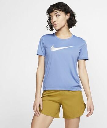 Tシャツの方が好みという方は、スポーツやアウトドア用の速乾性の高いTシャツもおすすめです。気づかないうちにかいている汗を、吸収して、いつでも快適にしてくれます。