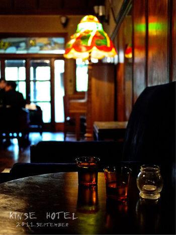 「きんせ旅館」もまた、レトロ好きにははずせないカフェ。江戸時代後期の揚屋だった建物を利用しており、つまり、刻まれている歴史は250年以上!  着物姿で、長い時代の移り変わりに想いを馳せる、特別な時間を過ごせます。