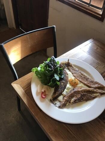 ガレットやサラダランチなどの、おしゃれで美味しいランチが味わえます。その日の食材の仕入れによってメニューも変わるそうなので、楽しみに行ってみてください。