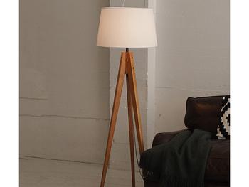 「1室多光」にすることで、光を調節でき、思い思いのくつろぎの空間がつくれます。