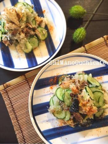 塩サバ・大根・きゅうり、3つの材料で簡単に作れるみぞれ和えのレシピ。あっさりと食べられ、冷酒のお供にもよさそうです。