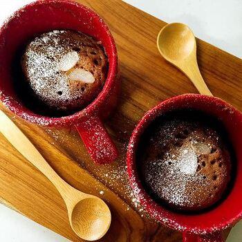 こちらはストウブマグを使ったココアのマグカップケーキ。煎り米ぬか入りで美容・健康にも◎なレシピです。