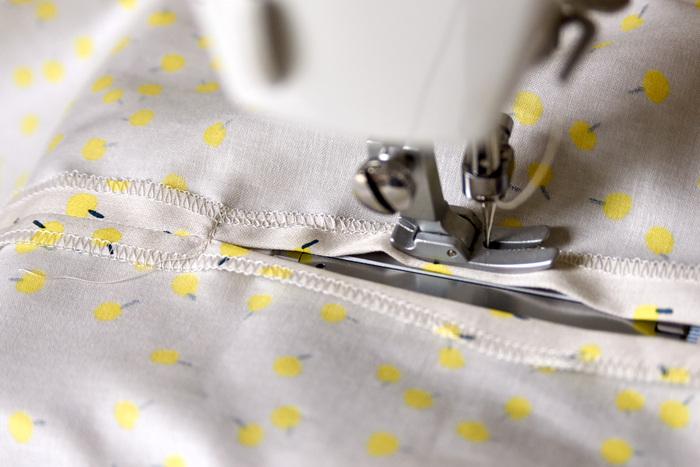 9.左右も袖をそれぞれぐるりと縫う。