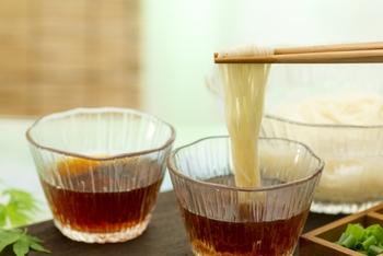 コクとほんのすこし甘みを足す「めんつゆ」は、あっさり素材を使ったシチューの隠し味におすすめ。