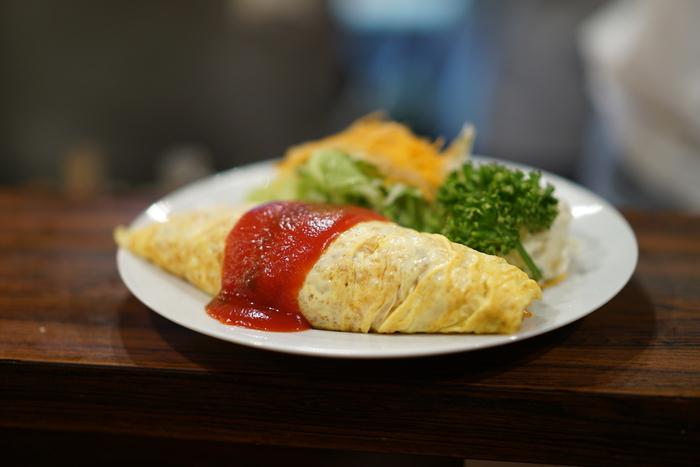 おしゃれなカフェやレストランもいいけれど、今気になるのは断然「レトロな雰囲気のお店」。今回は、前回に引き続き東京都内でオススメの「昭和レトロなごはん処」を紹介しちゃいます。