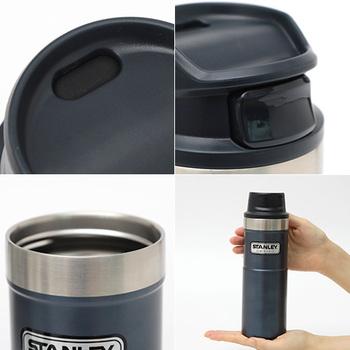 さらにスリムで軽くなっただけでなく、飲み口の開閉のボタンも大きく押しやすくなり、使い勝手も◎。