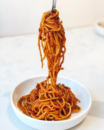 ミラノでは、美味しそうなレストランが多くて迷ってしまいますが、地元の人にお気に入りを聞くのが一番かもしれません。  「Antica Trattoria Della Pesa」は、ミラノ在住のイタリア人女性がおすすめしてくれたレストラン。パスタも良いですが、リゾットも絶品です。  ※イメージ画像です