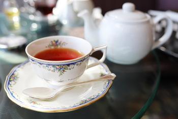 紅茶に詳しくなくてもよく耳にする、ダージリン、アッサム、アールグレイ。名前は知っていても、その違いがわからないという人もいるのではないでしょうか?