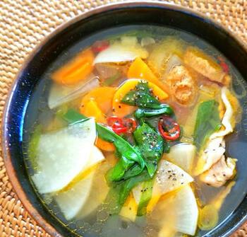 スタミナを付けるために、しっかりした味がほしいけれどあまり重い物は…という時は、韓国風スープがおすすめです。食欲がわく良い香りがします。