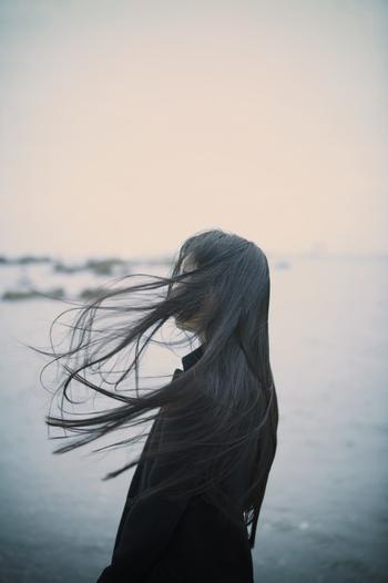 自分の弱みを隠そうとすると、助けを求める言葉が言い訳がましくなってしまいます。「本当は自分でできればいいんだけれど……」というように。そうではなく、「ぜひ、あなたに手伝ってほしい」とストレートに伝えましょう。必要とされていると感じられて、快く引き受けてくれるはずです。