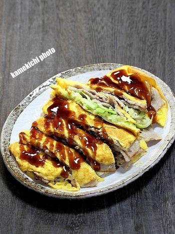 関西風の「キャベとん平焼き」。キャベツがたっぷり入っているからお腹も満足です。