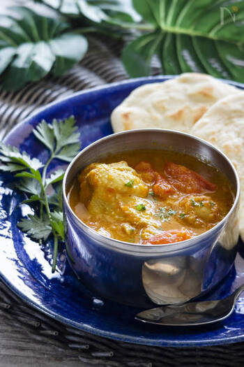 夏は美味しいカレーが食べたくなる季節。 定番の欧風カレーをはじめ、スパイシーなインドカレーやアジアの伝統料理など。 今回ご紹介した素敵なレシピを参考に、さっそく様々なカレー作りに挑戦してみませんか?