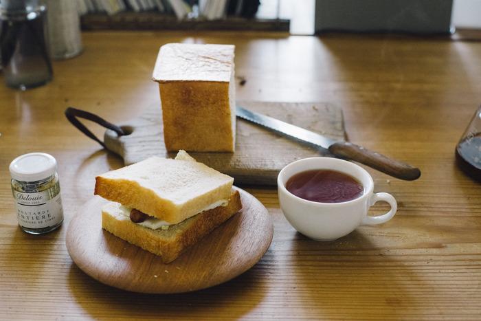 実は意外と知らない『食パン』をおいしく食べる方法。ちょっとしたコツを押さえることで、いつもの食パンをもっとおいしく食べることができるんです♪おいしい食パンとともに、贅沢な朝時間を過ごしてみませんか?