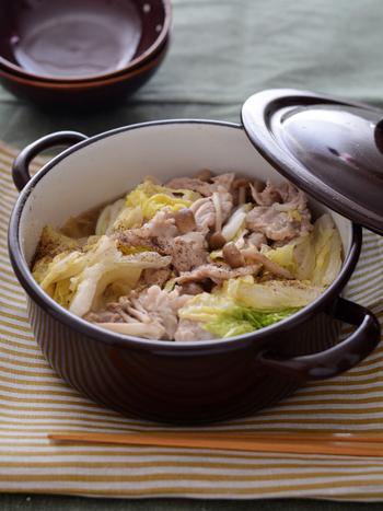 食べ慣れた鍋料理も、無水調理で作ればとびきりのご馳走に。野菜を無理なくたっぷり摂れるのも、女性には嬉しいですね。