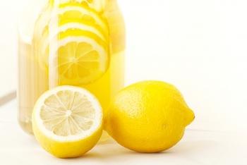 ビタミンCで注目されることが多い「レモン」ですが、夏バテ予防に活躍する「クエン酸」も豊富に含まれています。疲労回復が期待できるクエン酸を上手に摂って夏バテを吹き飛ばしましょう!ちなみにクエン酸はビタミンBと一緒に摂ると、より効果的と言われています。