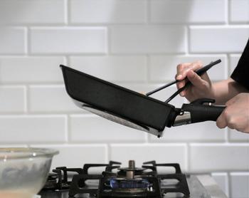 表面加工が剥がれた場合には買い替える必要がありますが、表面がコーティングされている分調理しやすく、毎日のお手入れも簡単です。使用後は洗剤で洗って乾かすだけで、銅製や鉄製のように油慣らしの必要が無いため、気軽に使えるものを探している方におすすめです。