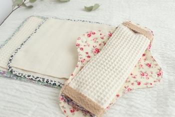 """""""上質・使い心地が良い・可愛い・洗濯しやすい""""をテーマに布ナプキンを作る布ナプキン作家「haru-cotton(ハルコットン)」さん。"""