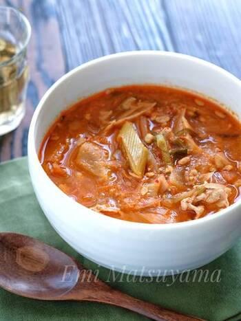 辛いものを食べて体の中からあったかく!キムチと納豆でスタミナもつけましょう。ごはんと合わせて雑炊風に食べても◎