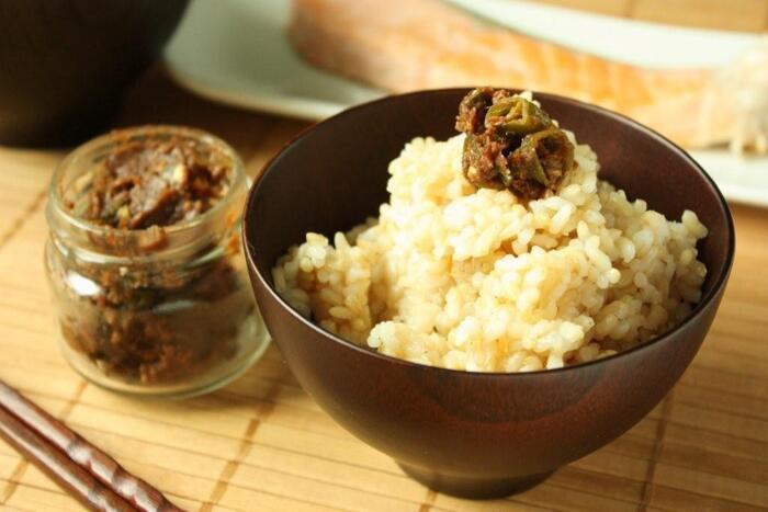 青唐辛子と手作り味噌で、ピリ辛味噌はいかがですか? ご飯はもちろん、野菜の炒めものやお肉にもぴったりで食欲をそそられます。
