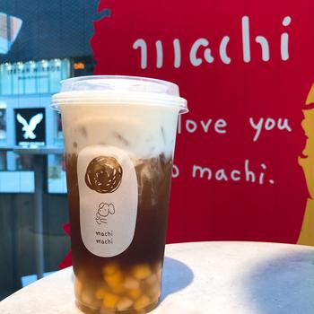 「烏龍鉄観音チーズティー」は、1杯ずつ丁寧に抽出した台湾茶のおいしさもしっかり感じられます。烏龍茶の中でも甘みがある鉄観音茶に、存在感のあるチーズクリームの組み合わせは、大人のティータイムにぴったりです。