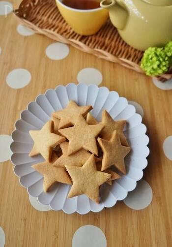 シナモン風味のクッキーはちょっぴり大人の味ですよね。噛み締めるほどに味わい深く、大切に食べたくなるクッキーです。