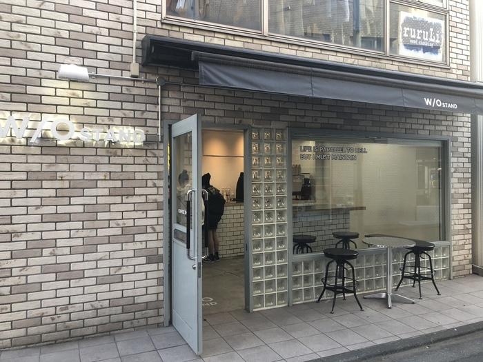 下北沢や原宿にお店を構える「W/O STAND(ウィズアウト スタンド)」は、おしゃれなドリンクが評判になっている神戸発のカフェ。