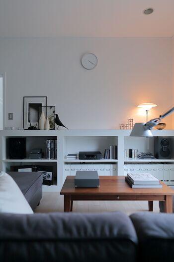 北欧風のお部屋のベースはシンプルが一番!メインカラーは、白やグレーといったモノトーンカラーを選んでおけば間違いありません。
