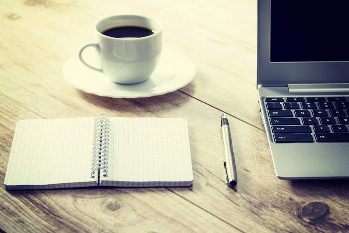 『仕事を断る』 自分のキャパを超える仕事を引き受けてしまっては、効率が悪い上に、大きなストレスを抱えてしまうことに。すべて一人でやろうとせずに、時には仕事を断ることも大切。人に任せたほうが仕事が早く終わることだってあるんです。力を抜いて時間を有効に使っていきましょう。