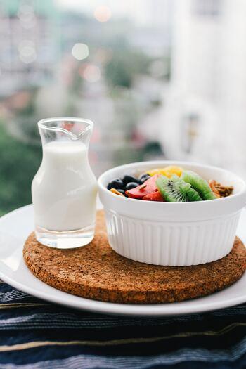 朝は食欲がないという人も、食べやすい献立にするなど自分なりに工夫して、少量でも食べる習慣をつけましょう。
