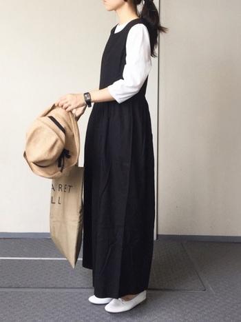 かわいい系ファッションは、30代にしては幼い印象になりがち。モノトーンを上手に使うことで、大人っぽくクラシカルな印象を作りましょう。
