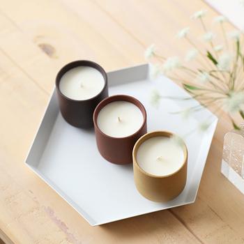 インテリアとしても可愛いキャンドルは、湯呑みにインスピレーションを受けて作られたデンマークのアイテム。香りは珍しい「イチジク」です。
