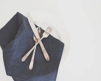 夏場の食事は炭水化物に偏りがち。たんぱく質が不足すると筋力が低下して疲れやすくなってしまいますし、ビタミンB群が足りないと代謝がスムーズに行われず、エネルギー不足に陥りやすくなります。