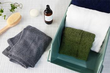 洗顔用などの為に、長方形のフェイスタオルをバッグに入れる方は多いですよね。  しかし、結構フワフワしていて、かさばってしまうことも。