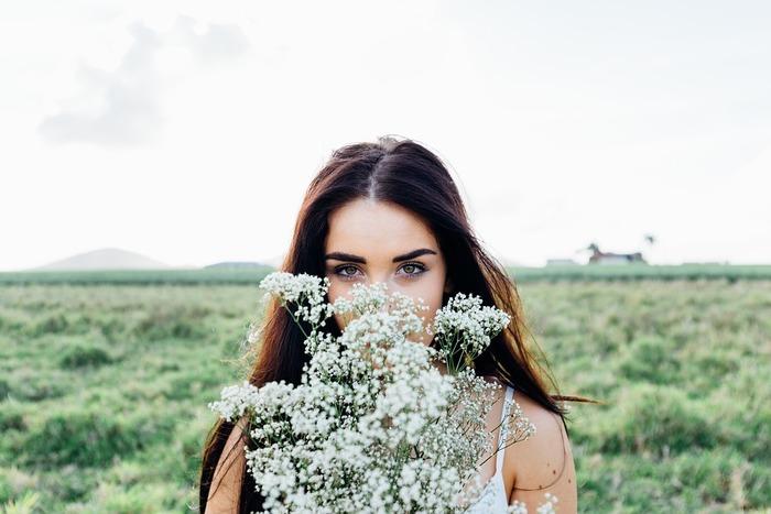 アーモンドは「若返りのビタミン」とも呼ばれるビタミンEがとっても豊富。他のナッツ類と比べても抜きんでています。老化の原因となる参加を防ぐ働きがあるので、美肌作りやアンチエイジングにうってつけです。