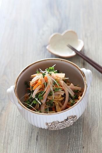 乾物の中でも栄養価が高い切り干し大根は中華風にもアレンジ可能!残り野菜も色々刻んで召し上がれ。