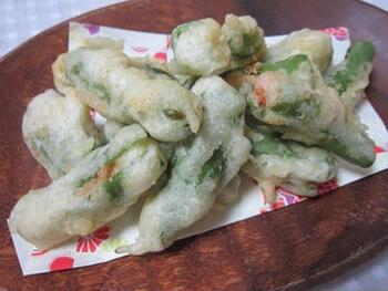 ししとうに明太子を詰めて天ぷらにした「明太ししとう天ぷら」は、おつまみにもごはんのおかずにもぴったり。βカロテンをたっぷりふくんだししとうは、油で揚げると吸収率がアップします。