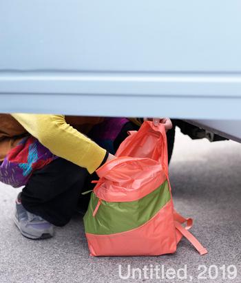 とにかく薄くて軽くて丈夫。お出かけ時にバッグやスーツケースに忍ばせておいて、荷物が増えたときに使うといいですね。