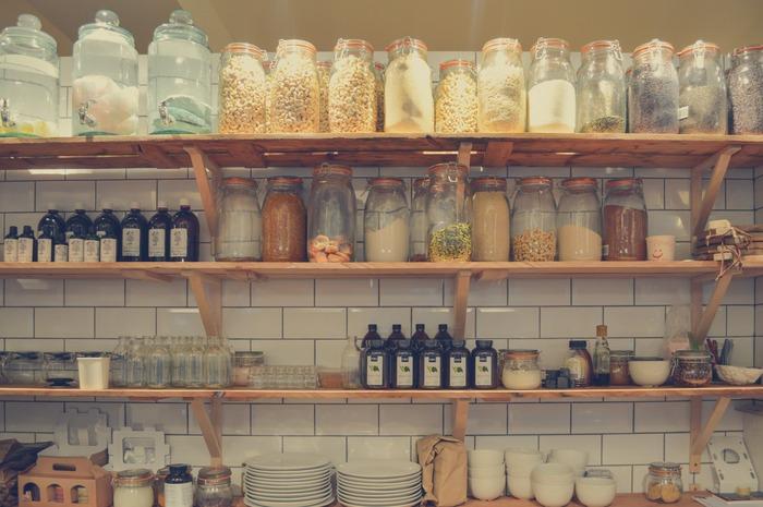 棚の奥に眠っていませんか?《食品・食器・調理器具》キッチン内の取捨選択、始めましょ♪