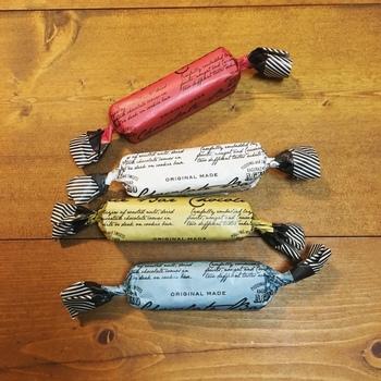 こちらは、10月~3月の冬季限定のチョコレートバー。海外っぽいロゴデザインペーパーがおしゃれで、まるでキャンディーのように包まれています。